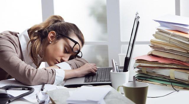 Chịu đựng công việc bạn chán ghét giống như tự đầu độc sức khỏe của chính mình: Hậu quả khôn lường khi hàng ngày đi làm nhưng tâm trí lại chỉ muốn nghỉ việc - Ảnh 2.