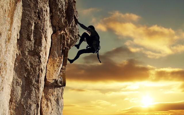 Đi hết con đường ta mới thấy đâu là đích đến, leo hết ngọn núi ta mới hiểu hai chữ gian nan: Lấy thái độ quyết định vận mệnh - Ảnh 1.