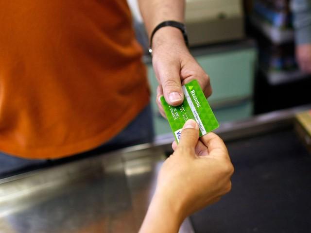 Bạn đang vung tay quá trán nếu tiêu tiền theo 7 cách này, hãy dừng lại trước khi rỗng túi! - Ảnh 3.