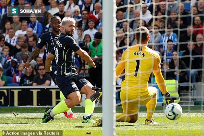 man city - photo 1 1557711125621966652299 - Pep Guardiola sợ đến thót tim, Man City vượt qua Liverpool đăng quang đầy kịch tính