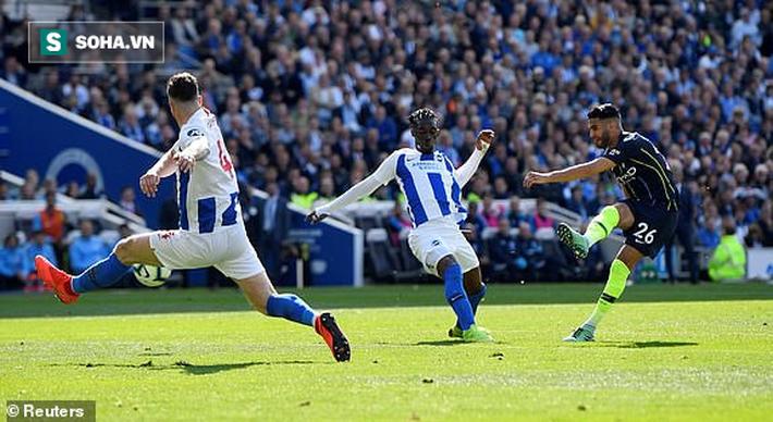 man city - photo 2 15577111256221900007146 - Pep Guardiola sợ đến thót tim, Man City vượt qua Liverpool đăng quang đầy kịch tính