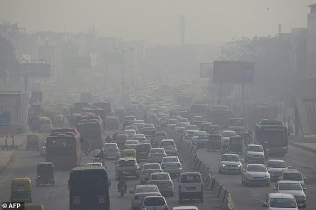 Ấn Độ cảnh báo bất thường do ô nhiễm không khí tại New Delhi - Ảnh 1.