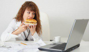 Điều gì khiến bạn không thể tập trung khi làm việc nơi công sở? - Ảnh 4.
