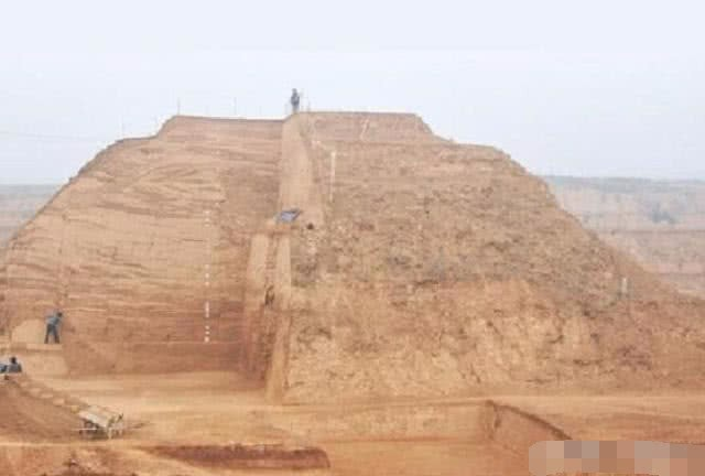 Khai quật mộ nghi của người đã ám sát Tần Thủy Hoàng, các nhà khảo cổ nhận bất ngờ lớn - Ảnh 2.