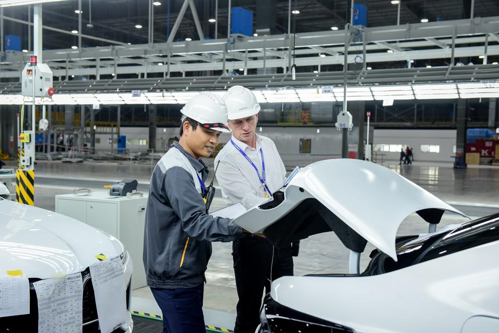vinfast - vf 6583 15579628714501924791001 - Hé lộ hình ảnh bên trong nhà máy sản xuất ô tô sắp khánh thành của VinFast