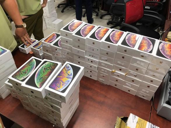 Phi vụ buôn lậu khủng: 2.500 smartphone từ Trung Quốc vào Việt Nam - Ảnh 2.