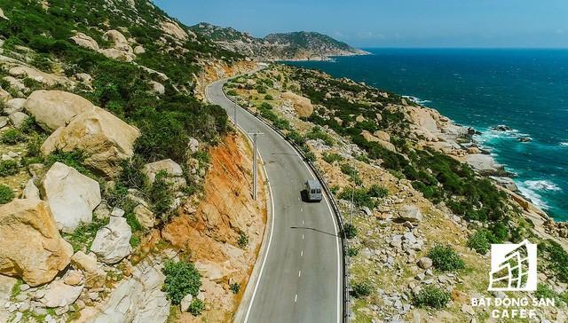 Xây dựng 100km đường ven biển, địa phương này đang thu hút hàng loạt ông lớn địa ốc - Ảnh 1.