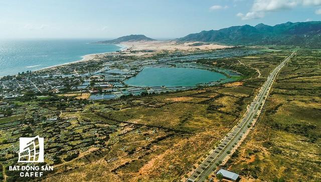 Xây dựng 100km đường ven biển, địa phương này đang thu hút hàng loạt ông lớn địa ốc - Ảnh 2.