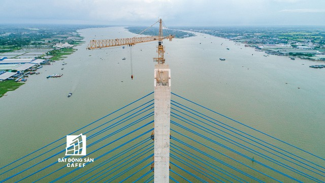 Toàn cảnh cây cầu dây văng dài nhất Vùng Đồng bằng Sông Cửu Long 5.700 tỷ đồng sẽ được thông xe ngày 19/5 - Ảnh 4.