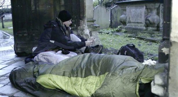 Thiếu gia ngập trong hàng hiệu tỉnh ngộ sau 1 đêm sống như người vô gia cư - Ảnh 6.