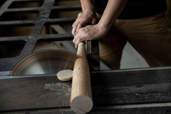 Tái chế gậy bóng chày gãy thành đũa, muỗng, nĩa… một công ty Nhật Bản đã cứu được cả một khu rừng - Ảnh 4.