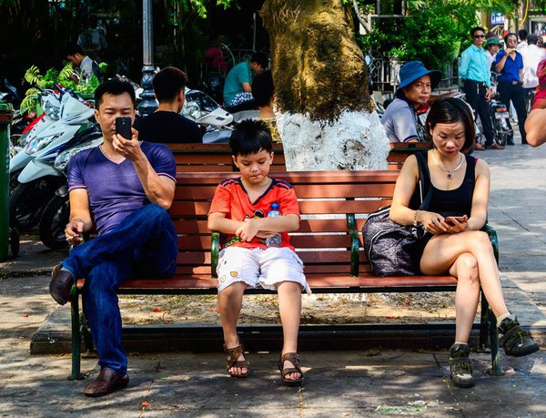 Mẹ 'bỉm sữa' 4 con vừa làm MC Cà phê khởi nghiệp vừa startup: Các bậc cha mẹ hãy buông bỏ smartphone, công việc bon chen để dành thời gian cho con trẻ - Ảnh 7.