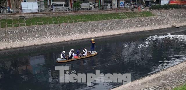 Sau 4 ngày thử nghiệm bảo bối của Nhật, sông Tô Lịch đã bớt mùi - Ảnh 4.