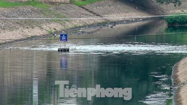 Sau 4 ngày thử nghiệm bảo bối của Nhật, sông Tô Lịch đã bớt mùi - Ảnh 7.