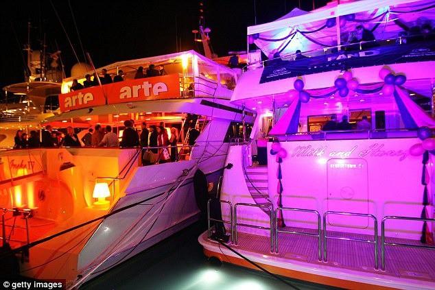 Đằng sau hào quang của LHP Cannes: Nơi kiếm tiền của gái bán dâm hạng sang, có người kiếm được cả tỷ đồng cho một lần qua đêm cùng đại gia - Ảnh 8.