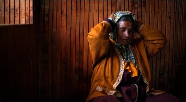 Hôn nhân ở vùng đất lạ kỳ nhất thế giới: Một chị vợ 5-7 anh chồng, chuyện ái ân phải xếp lịch chia ca để công bằng cho tất cả - Ảnh 1.