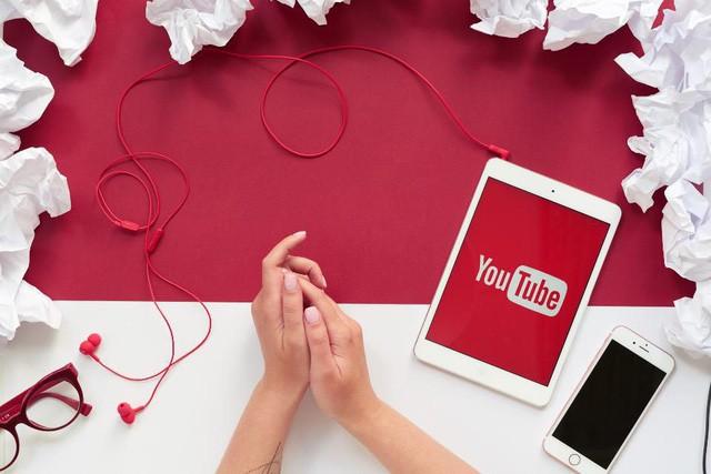 """youtube - photo 1 15585276747911419758049 - Các cụ nông dân thi nhau """"debut"""" làm YouTube, phải chăng kiếm tiền trên đó dễ như chơi?"""