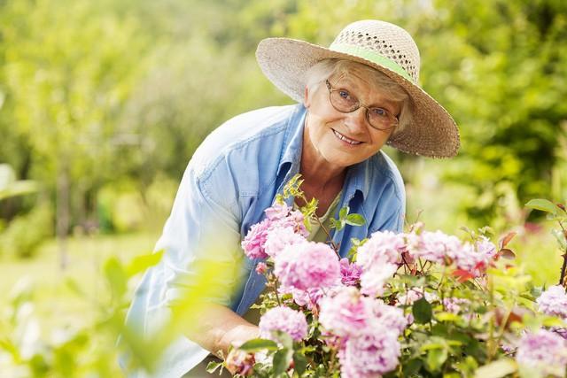 Gừng càng già càng cay, người càng từng trải càng khôn ngoan: 9 bài học vô giá về cuộc sống được đúc kết từ kinh nghiệm của các lão nhân 100 tuổi - Ảnh 1.