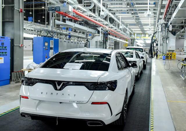 nhà máy 3 tỷ usd - photo 1 1558661164122134287030 - Nhà máy 3 tỷ USD lơ thơ mấy người: Hàng ngàn robot lắp ráp ô tô tự động