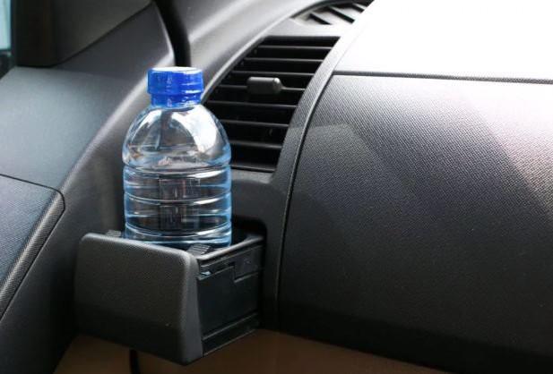 Đỗ xe dưới trời nắng nóng cần chú ý đến những bộ phận này - Ảnh 1.