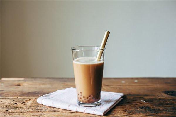 Cô gái trẻ bị đột quỵ mắt, tiểu đường kèm máu nhiễm mỡ do uống 2 ly trà sữa mỗi ngày: Bài học cảnh tỉnh cho tín đồ mê trà sữa - Ảnh 3.