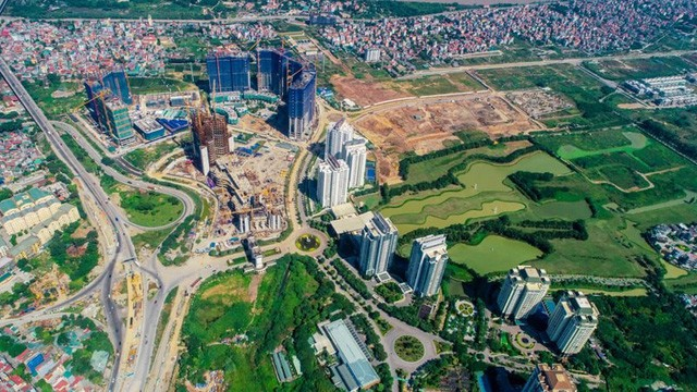 Xôn xao chuyện ở Ciputra: Cư dân phản đối kịch liệt chủ đầu tư nhồi nhà cao tầng; 6 dự án của Sunshine Group bao vây khu đô thị - Ảnh 1.
