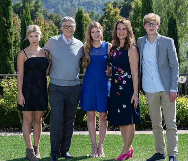 """tỷ phú rửa bát - photo 1 1558834128443848984418 - Đừng tưởng """"tỷ phú rửa bát"""" Bill Gates đã """"ngoan"""" ngay từ đầu nhé, tất cả là nhờ chiêu """"dạy chồng"""" bài bản của người vợ bản lĩnh này đây"""