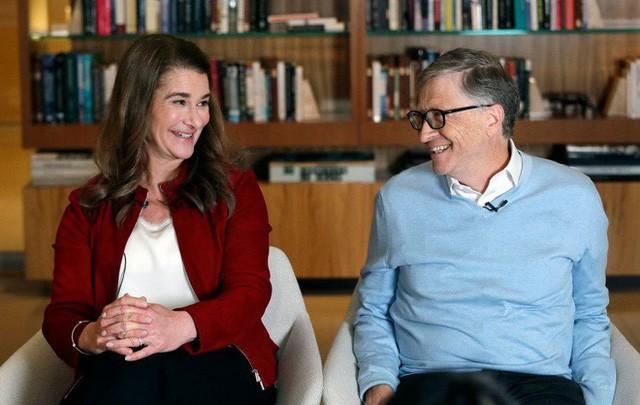 Đừng tưởng tỷ phú rửa bát Bill Gates đã ngoan ngay từ đầu nhé, tất cả là nhờ chiêu dạy chồng bài bản của người vợ bản lĩnh này đây  - Ảnh 1.