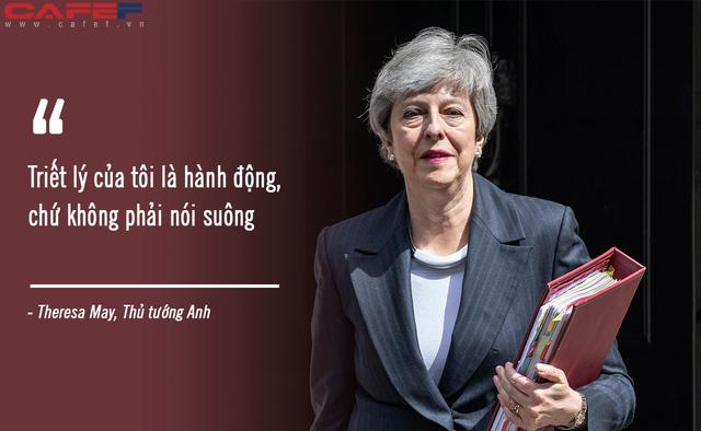 """theresa may - photo 1 1558925458567492039225 - Triết lý sống """"phải hành động, đừng nói suông"""" và những khoảnh khắc đời thường đến không ngờ của người đàn bà thép Theresa May"""