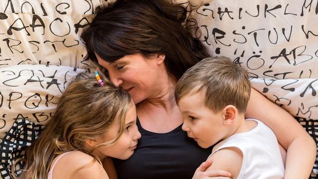 Kiểu cha mẹ máy xén cỏ luôn loại bỏ trở ngại cho con: Mục đích không xấu nhưng hệ lụy khôn lường - Ảnh 4.