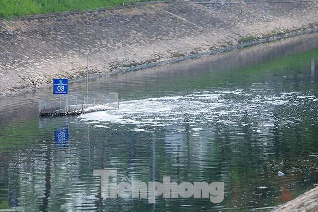 Nước sông Tô Lịch ra sao sau 10 ngày thí điểm bảo bối của Nhật?  - Ảnh 2.