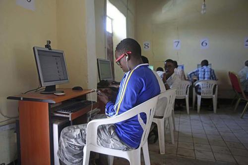 Trải nghiệm quán net ở châu Phi: Mở web mất 5 phút, có nơi thu phí cắt cổ tới 400.000 đồng/giờ - Ảnh 5.