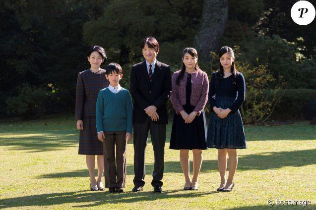 """Hoàng tử bé Hisahito: Người thừa kế cuối cùng của Hoàng gia Nhật, được nuôi dạy một cách """"khác người"""" nhưng dân chúng lại đồng tình ủng hộ - Ảnh 1."""
