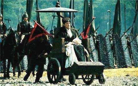 """Giải mã lý do tại sao Gia Cát Lượng hoàn toàn khỏe mạnh mà vẫn ngồi """"xe lăn"""" - Ảnh 3."""