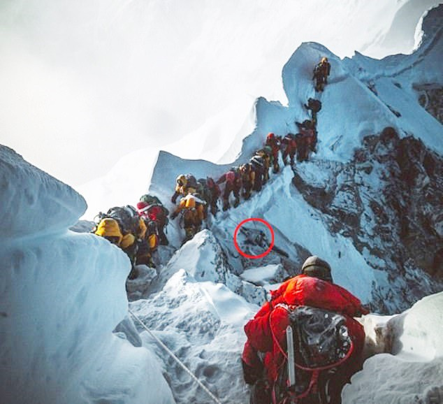 Tắc đường ở Everest: Ký ức kinh hoàng đầy ám ảnh của cô gái trở về từ cõi chết và những mặt tối đáng sợ bị bóc trần - Ảnh 5.