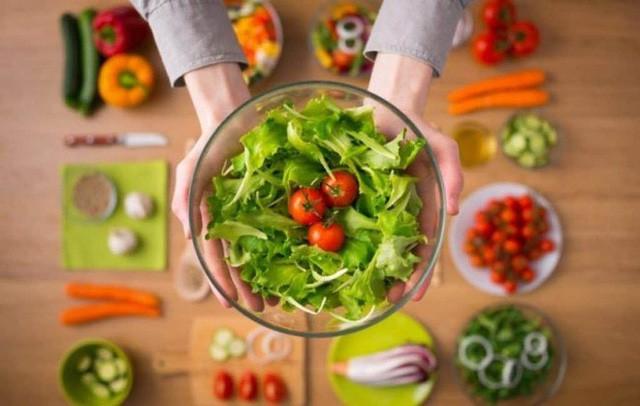 BS khuyên cách ăn để chữa 5 bệnh mãn tính, đặc biệt là gan nhiễm mỡ ai cũng nên tham khảo  - Ảnh 1.