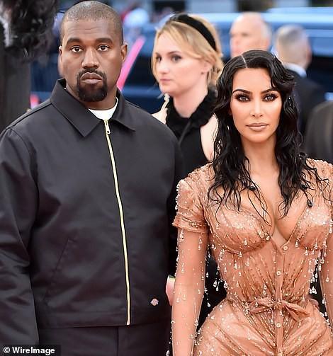 Biết nhà Kardashian giàu nhưng ai ngờ giàu đến độ này: Thầu hẳn khu đất khổng lồ xây 6 biệt thự trăm tỉ chỉ vì 1 lý do đơn giản - Ảnh 2.