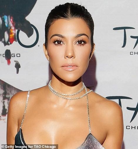 Biết nhà Kardashian giàu nhưng ai ngờ giàu đến độ này: Thầu hẳn khu đất khổng lồ xây 6 biệt thự trăm tỉ chỉ vì 1 lý do đơn giản - Ảnh 9.