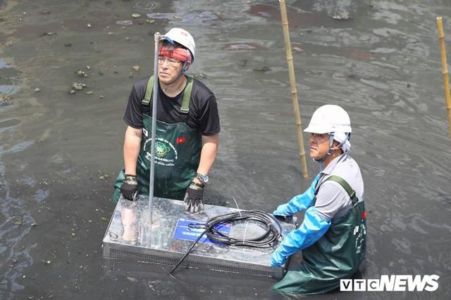 """Nước sông Tô Lịch thay đổi ra sao khi sử dụng """"thần dược"""" Nhật Bản? - Ảnh 3."""