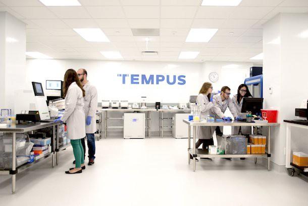 Tempus - Startup công nghệ y tế: Từ căn bệnh ung thư vú của người vợ nhà sáng lập, đến công ty xét nghiệm ung thư và thu thập dữ liệu bệnh nhân được định giá 3,1 tỷ USD - Ảnh 2.