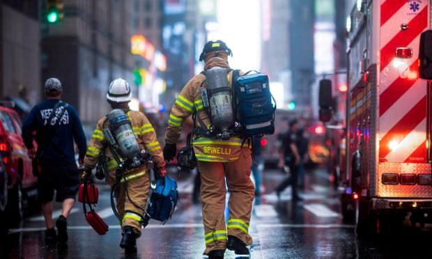 Người New York lo sợ Bóng ma khủng bố 11/9 khi trực thăng đâm vào nhà cao tầng - Ảnh 5.