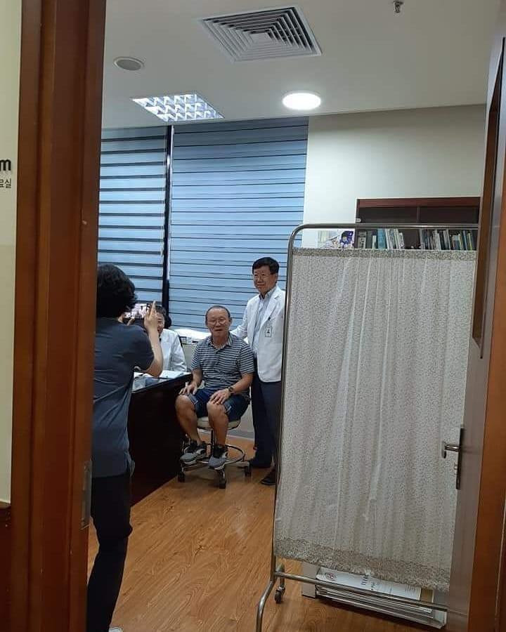 park hang-seo - photo 1 1560343508936154077487 - HLV Park Hang-seo gặp vấn đề về sức khỏe, phải đi khám gấp khi về tới Việt Nam