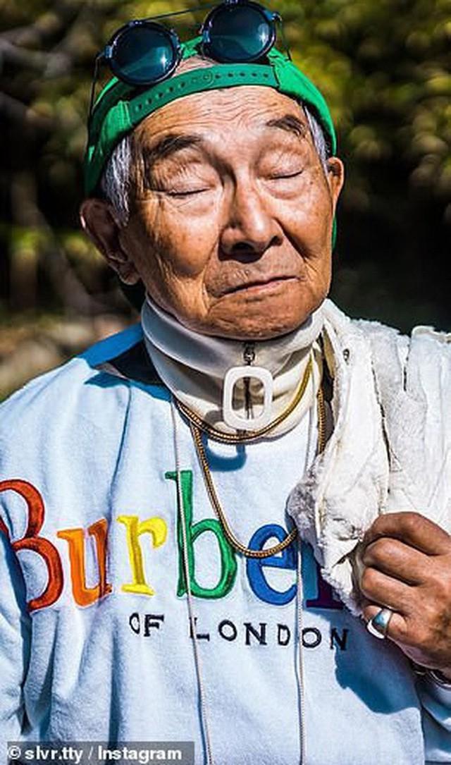 Được cháu trai hậu thuẫn, ông giáo 84 tuổi trở thành ngôi sao thời trang với biệt danh cụ ông sành điệu nhất Nhật Bản, đốn tim hàng trăm ngàn người - Ảnh 5.
