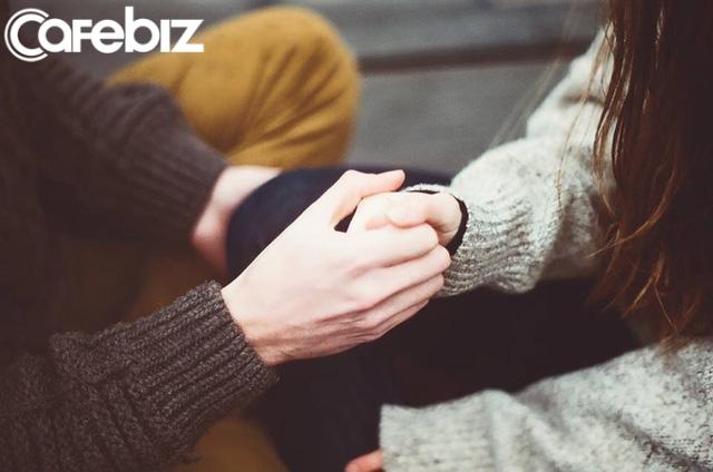 Băn khoăn không biết nên cưới chồng tay trắng hay có thu nhập ổn định, Trang Hạ khuyên: Gia đình chồng tử tế chính là đảm bảo lớn nhất cho hạnh phúc của một người con gái - Ảnh 1.