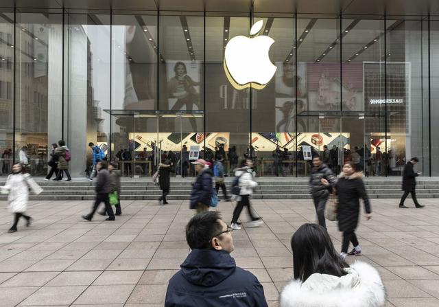 Apple, Boeing và những cái tên lớn ở Phố Wall bắt đầu thấm đòn chiến tranh thương mại - Ảnh 1.