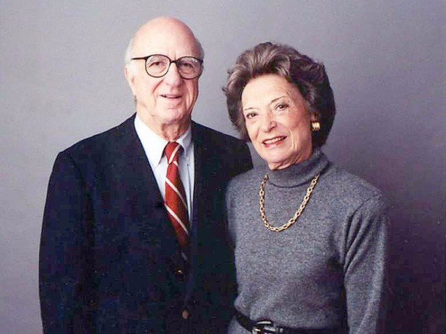 Cùng nhau kinh doanh, các cặp đôi này không những chẳng mâu thuẫn mà còn xây dựng cả đế chế tỷ USD đáng ngưỡng mộ: Thuận vợ thuận chồng, tát biển Đông cũng cạn!  - Ảnh 1.
