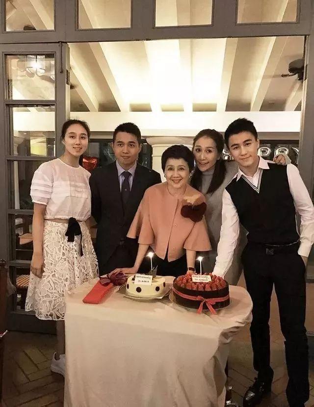 Lọ lem xuất chúng của Macau: Vũ nữ đổi đời thành bà tư gia sản chục ngàn tỷ, khiến trùm sòng bạc phải nể phục - Ảnh 20.