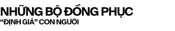 Lời miệt thị CEO Nhật ném vào tài xế công nghệ Việt và những bộ đồng phục định giá con người  - Ảnh 1.