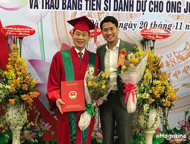 """5 cặp cha xuất sắc, con """"vượt sướng vươn lên"""" của thương trường Việt: Không phải """"con vua thì lại làm vua"""", người phải có đủ tâm và tầm mới có thể gánh vác cơ nghiệp lớn - Ảnh 2."""