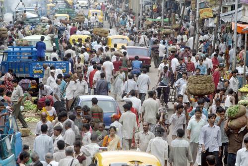 Thế chân Trung Quốc, Ấn Độ là nước đông dân nhất thế giới vào năm 2027 - Ảnh 1.